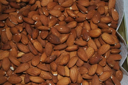 Almonds Are A Perfect Snack for Heart Healthy And Diabetic Diets